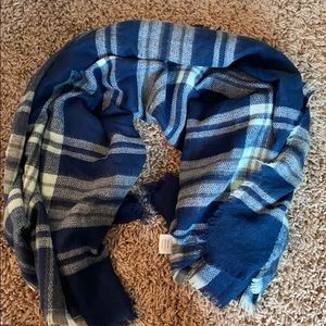 Large square infinity scarf